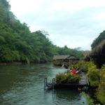 「タイ/ホテル」日本では味わえない、川に浮かぶホテルRiver Kwai Jungle Rafts Floating Hotel